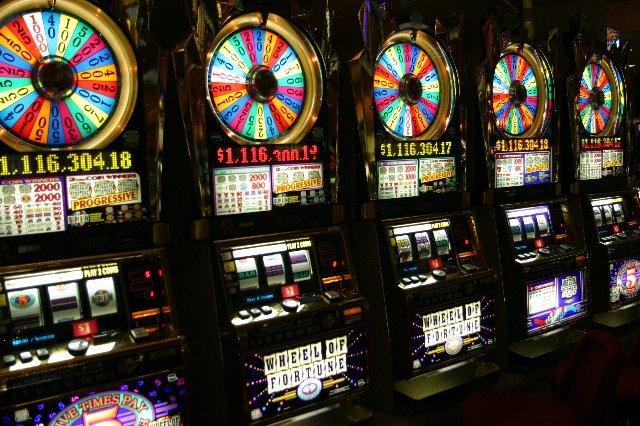 Что такое игровые машины на деньги и их преимущества в клубе Франк