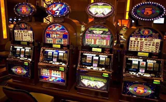 Игры на реальные деньги в казино Азино 777